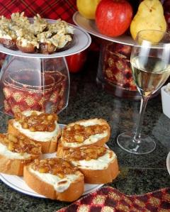 Crostini with Gorgonzola and Pear-Onion Jam