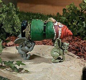 Garden Gnome Kidnapped by Gargoyles Statue - Amazon