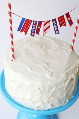 4th of July Flag Cake | Faith, Hope, Love, and Luck Survive Despite a Whiskered Accomplice