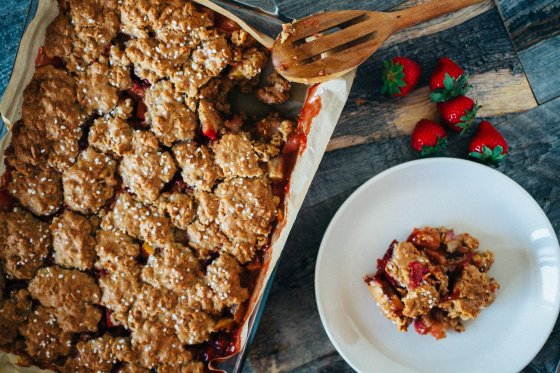 Strawberry Oatmeal Cookie Cobbler